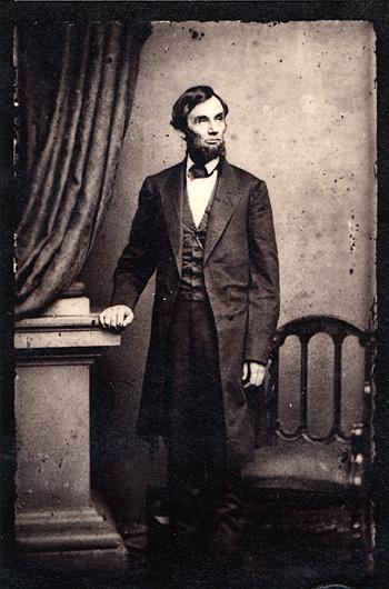 Abraham_Lincoln_standing_portrait_1863