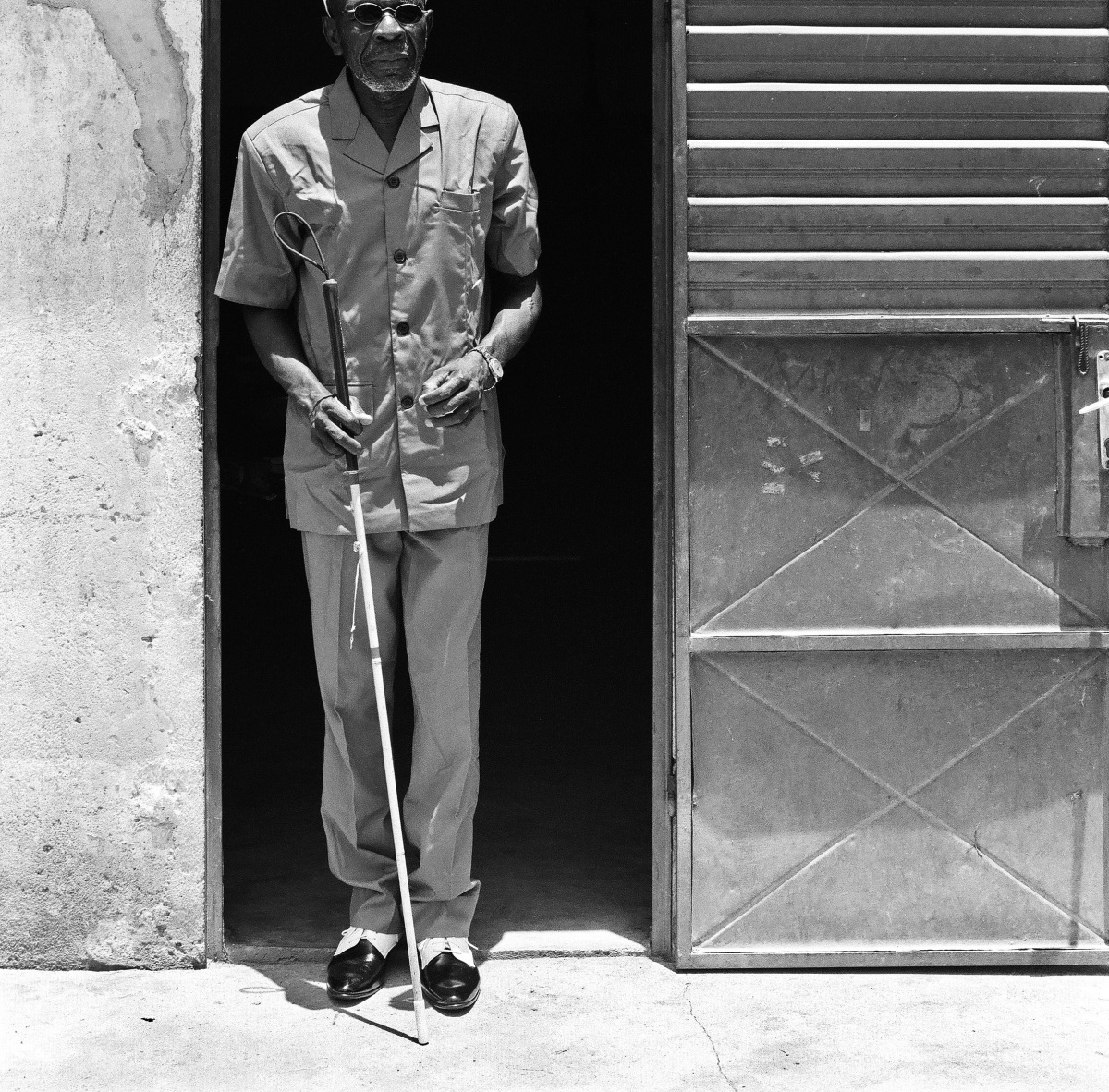 blind_man_with_cane