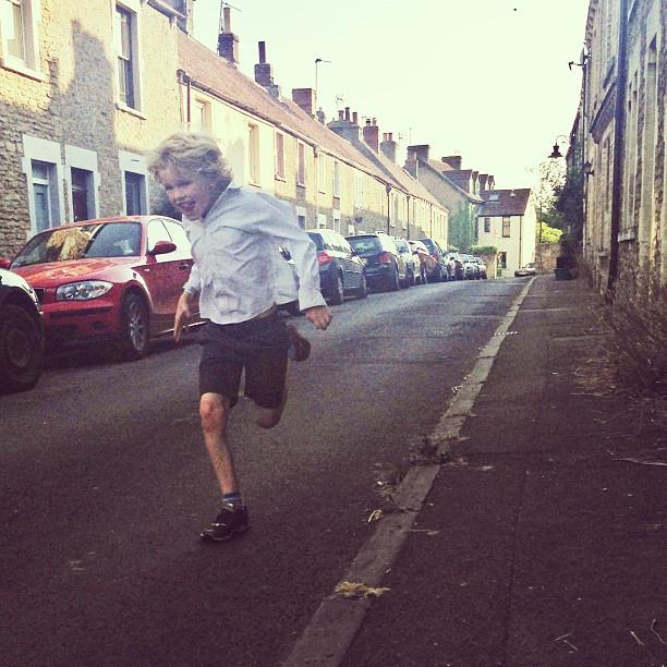 kid-sprinting