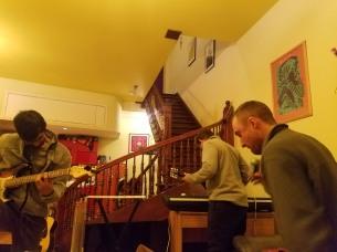 Soundcheck roommate jam session